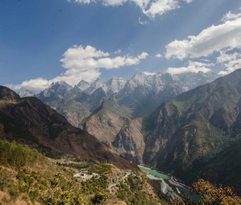Yangtze river flowing in the gorge